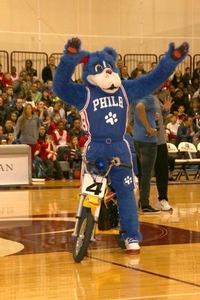 76ers team mascot Franklin brought the crowd to their feet at the private team practice!