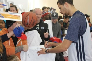 MCW signing autographs