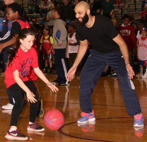 One on one with Sixers camper against 76ers Kendall Marshall.
