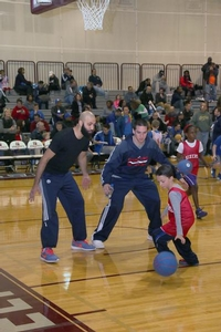 Point guards, CJ McConnell & Kendall Marshall give tips on ball handling.