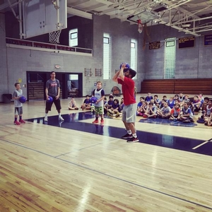 76er TJ McConnell and the Sixers Camps manager teaches campers shooting drills at the VF Day Camp!