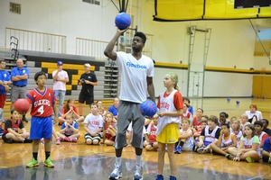Nerlens Noel doing some drills with campers