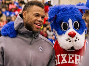 76er Justin Anderson with Franklin